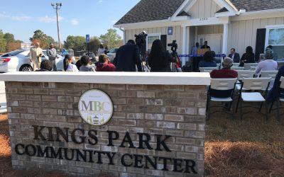 Neighborhood Celebrates new Kings Park Community Center